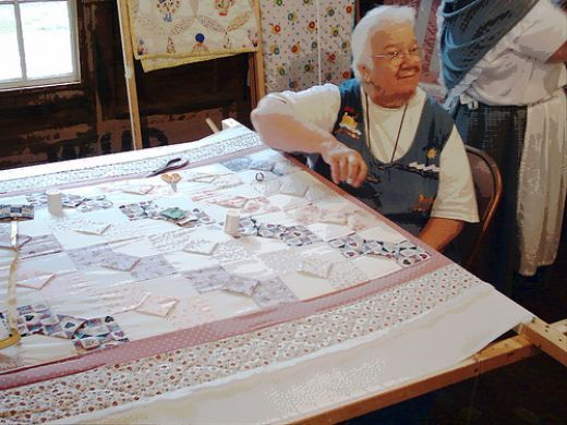 Homemade quilt frames are a great idea if you have the time and energy to build one. If you are on a budget, buying a quilting frame might not be the best option since quilting frames start at $100 and can cost upwards of $2400. That $100 frame...