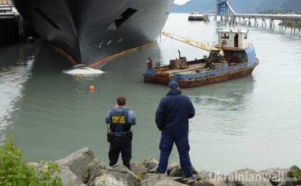 Круизный лайнер на Аляске протаранил кита http://ukrainianwall.com/ukraine/kruiznyj-lajner-na-alyaske-protaranil-kita/  Круизное судно Заандам при входе в порт Сьюард на юге Аляски протаранил кита-полосатика. Об этом сообщает Лига со ссылкой на ADN. Мертвое млекопитающее было обнаружено на каплеобразной носовой оконечности судна
