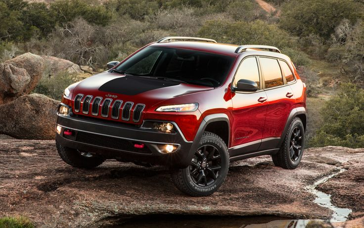 2014 Jeep Cherokee Trailhawk Front Three Quarters View Photo 1