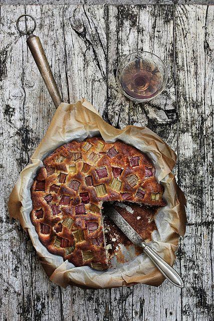 Pratos e Travessas: Bolo de ruibarbo e laranja # Rhubarb, orange cake | Recipes, photography and stories