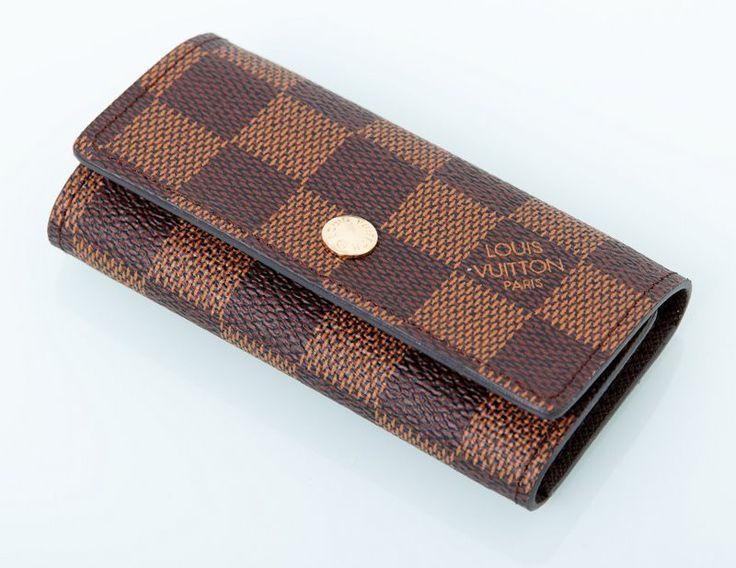 Ключница кожаная небольшая Louis Vuitton в коричневую клетку. Размер 10.5х5.5х2см