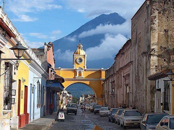Антигуа-Гуатемала – #Гватемала #Сакатепекес (#GT_SA) Антигуа-Гватемала стала одним из первых в Латинской Америке городов, объявленных ЮНЕСКО памятниками Всемирного наследия. http://ru.esosedi.org/GT/SA/1000195644/antigua_guatemala/