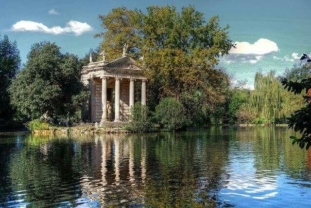 Villa Birghese: tempio riflessioni.