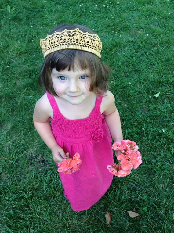 Mesh and Leaf crown by Evelyn Mae Crochet on Etsy - $15