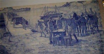 . PAINEL DE AZULEJOS COM CENAS MILITARES (1918) do pintor, ceramista, ilustrador e caricaturista Jorge Colaço (1864-1942). Academia Militar – Palácio da Bemposta, Lisboa.