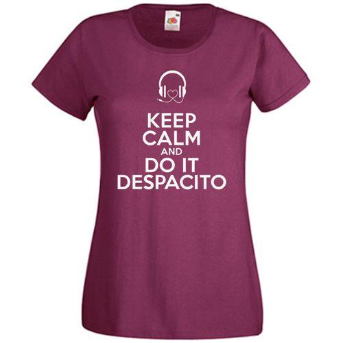 Tricou Keep Calm And Do It Despacito    Tricou personalizat cu mesajul  Keep Calm And Do It Despacito. Mesajul este insotit de casti cu cablu in forma de inima.