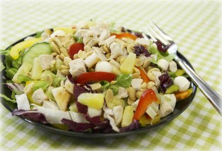 KasvisHovi :: Broiler-pähkinäsalaatti