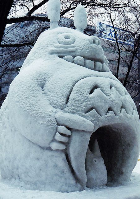 Totoro at the Sapporo Snow Festival in Hokkaido Japan via flickr, I so want this in my yard once it snows!