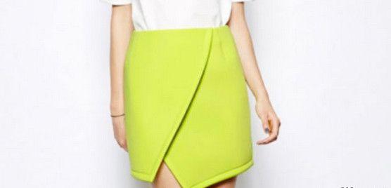 Короткая истильная юбка, тренд сезона— юбка оригами— продемонстрирует стройные ножки иподчеркнет вашу индивидуальность. Юбка оригами, как иподелки, сложенные избумаги, имеет четкую лаконичную форму истрогие прямые линии. Разработайте собственную...