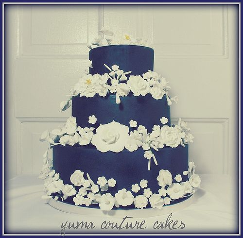 We're still celebrating the birth of the new future king so, in his honour, we're sharing royal, blue wedding cakes for your own special day! Description from daweddings.wordpress.com. I searched for this on bing.com/images