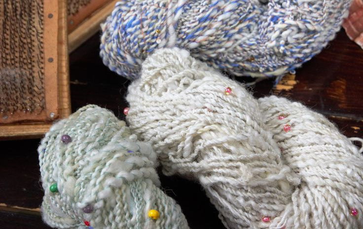 The new sun catching skeins now are waiting for sunny days to be finished!