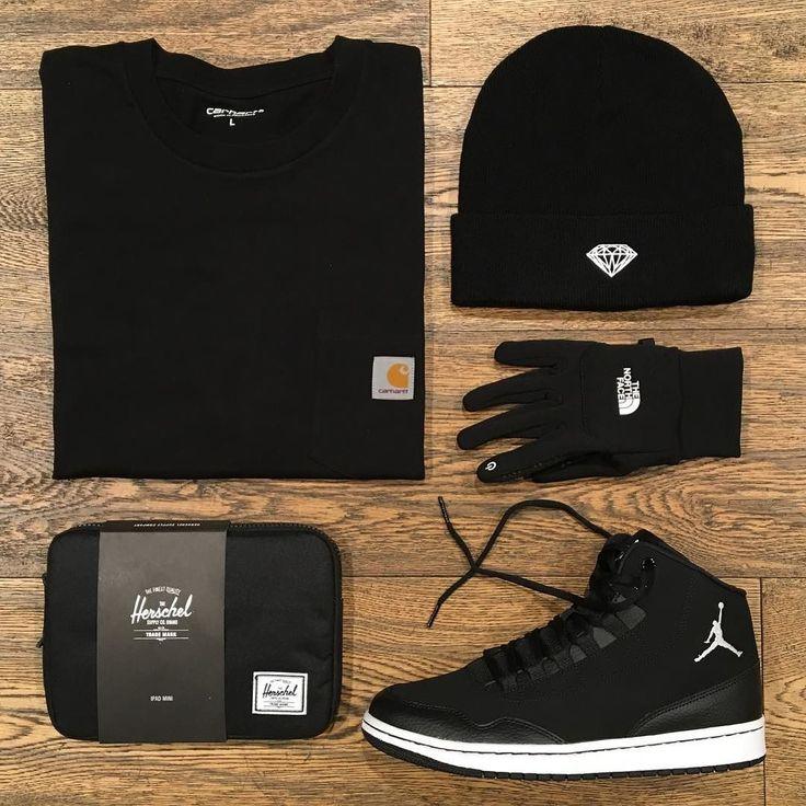 Crowbar _ Featuring: Charartt Diamond The North Face Jordan Herschel _ Disponibili in store e online su @graffitishop www.graffitishop.it _ Spectrum Store via Felice Casati 29 Milano / spectrumstore.com / tel. 39 02 67071408 / #spectrumstore #graffitishop #causeitsyourworld #streetwear #graffiti #milano #sneakers #sneaker #snapback #kicks #trainers #spectrum #casatiblock #outfit #fashionblogger #blogger