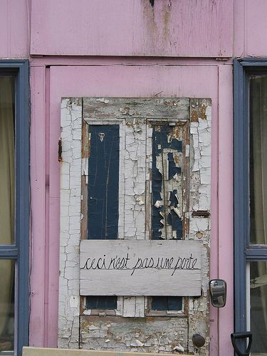 This is not a door. Thank you.: Models Apartment, Doors Crushes, Pale Pink, Une Port, Crows Nests, Nests Pas, Old Doors, Pink Doors, Ceci Nests