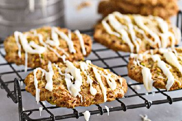 Ginger, pistachio and white chocolate cookies