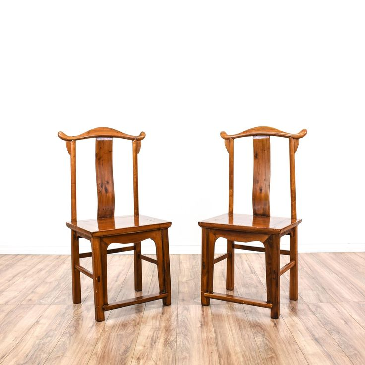 These side chairs are featured in a solid wood with a glossy maple finish. These Asian style accent chairs have curved backs, stretchers, and curved trim. Perfect for extra seating! #asian #chairs #accentchair #sandiegovintage #vintagefurniture