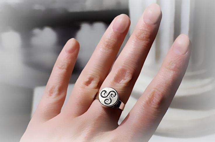БДСМ символ трискель трискелион эмблема кольцо сабмиссив доминант раб рабыня подарок девушке на юбилей день рождения годовщину свадьбу