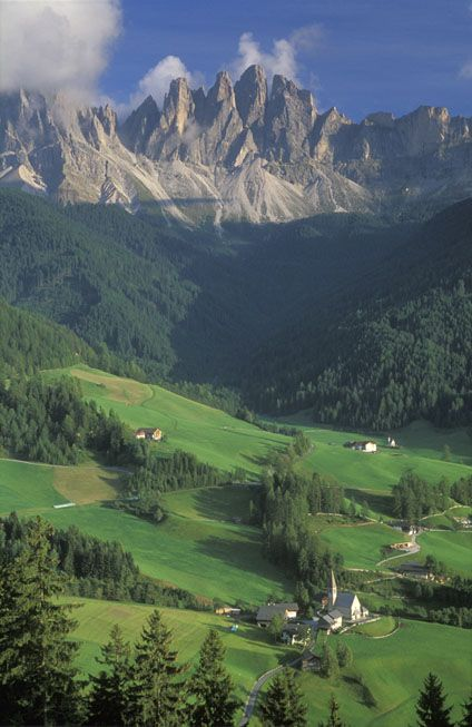 St. Magdalena, Val du Funes, Dolomites, Italy (UNESCO World Heritage Site) | David Noton Photography