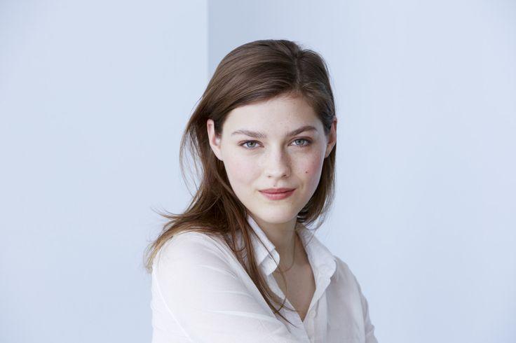 Uma pele resplandecente começa com os cuidados Eclat du Jour Clarins http://int.clarins.com/pt_PT/rosto/200/?prefn1=collection&prefv1=Eclat%20du%20Jour
