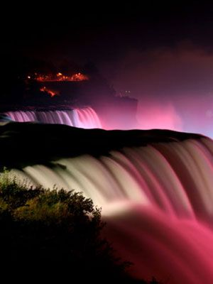 """Most Romantic Places in the United States: Niagara Falls. Known as the """"Honeymoon Capital of the World."""""""