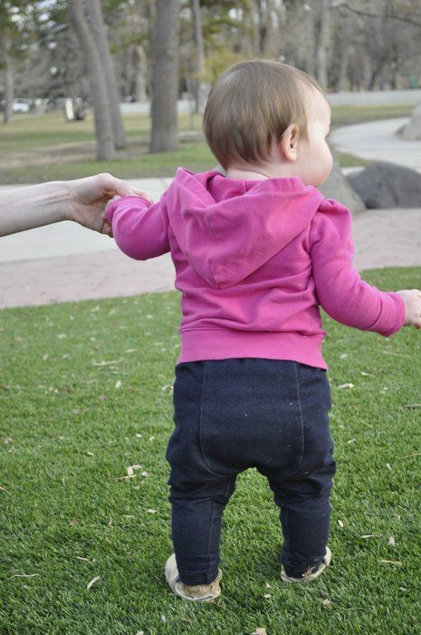 Free Sewing Pattern: Baby Got Back Leggings for Cloth-Diapered Babies