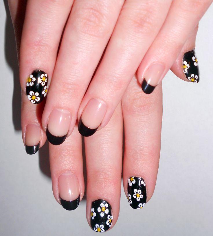 90s daisy nails black french