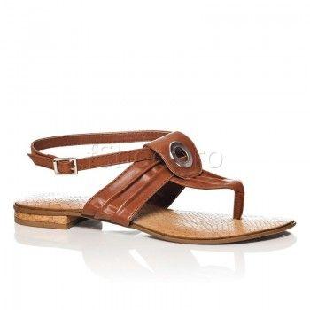 Sandalele Mix Maro sunt usoare si practice, asortandu-se de minune cu tinutele hippie. Mix maro sunt o pereche universala de incaltaminte de vara, care nu iti va supara deloc piciorul, lasandu-l sa respire in voie.  Asorteaza-le cu o rochie lunga cu model floral, si vei arata fresh si plina de viata.