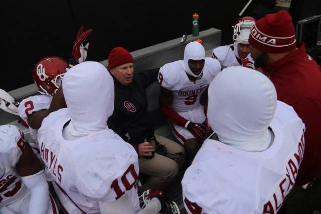 Mike Stoops on the sideline, guiding his defense.