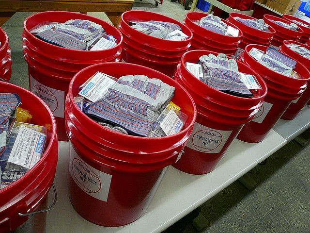 Build A DIY Disaster Preparation Bucket - well put together kit with written list as well as photos. http://melissakirk.org/