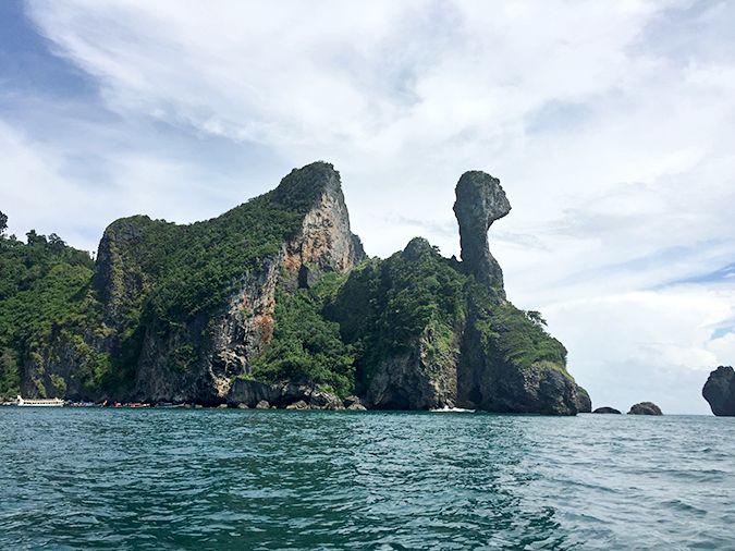 Chicken Island in Railay Bay, Krabi.  Stepping into Wonderland: Railay Bay Beach, Thailand   Helene in Between