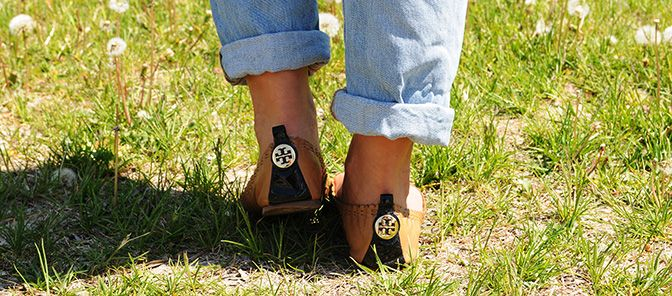 Young Mom Fashion Style: Tory Burch Flats