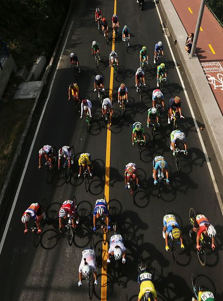The peloton rides during the Women's Road Race on Day 2 of the Rio 2016 Olympic Games on August 7 2016 in Rio de Janeiro Brazil The…