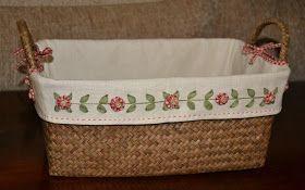 Compré unas cestas con la idea de organizar las telitas que voy comprando. La funda que traía era de una loneta que al lavarla encogió ...