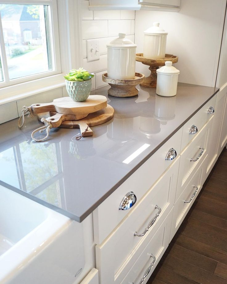 Countertops For White Kitchen Cabinets: 25+ Best Ideas About Gray Quartz Countertops On Pinterest