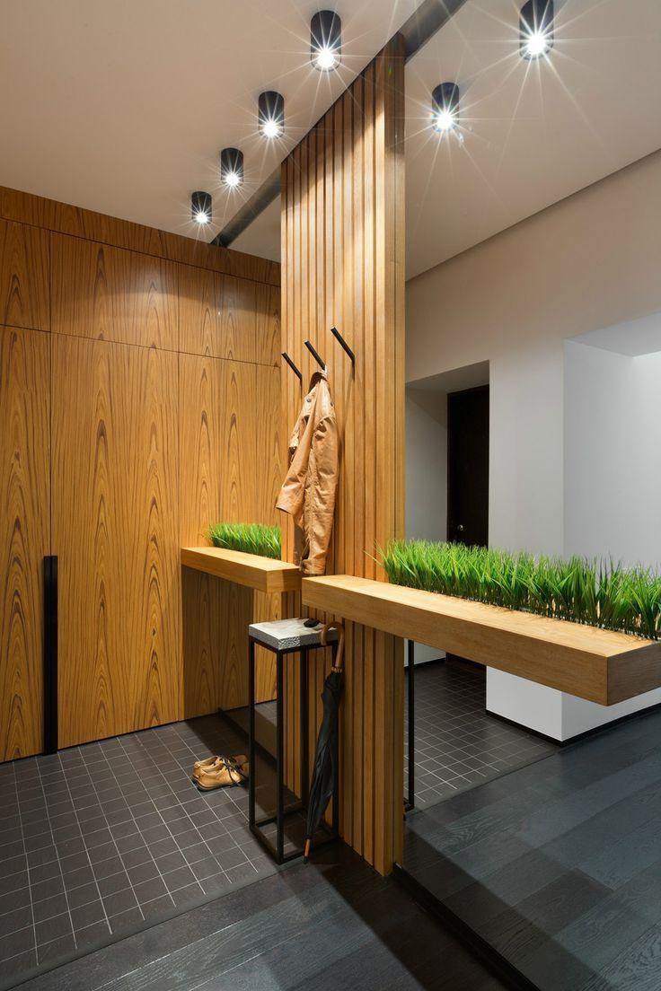 Прихожая хай-тек: секреты создания современной и функциональной входной зоны http://happymodern.ru/prixozhaya-xaj-tek/ Деревянные элементы декора и растения смягчают строгий стиль хай-тек