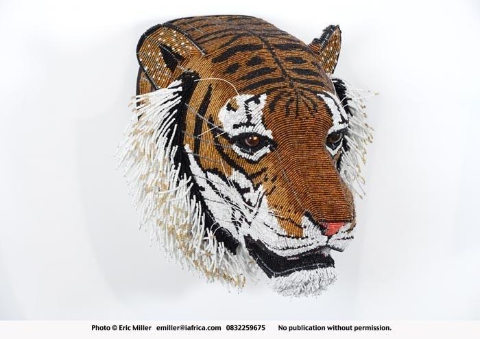 Tiger sculpture, beaded, wire frame - Netshomi Zam