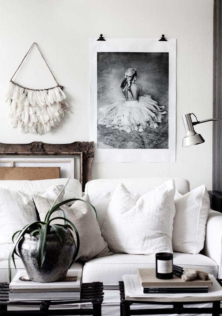nordic living inspiraton - ballerina poster and macrame wall hanging