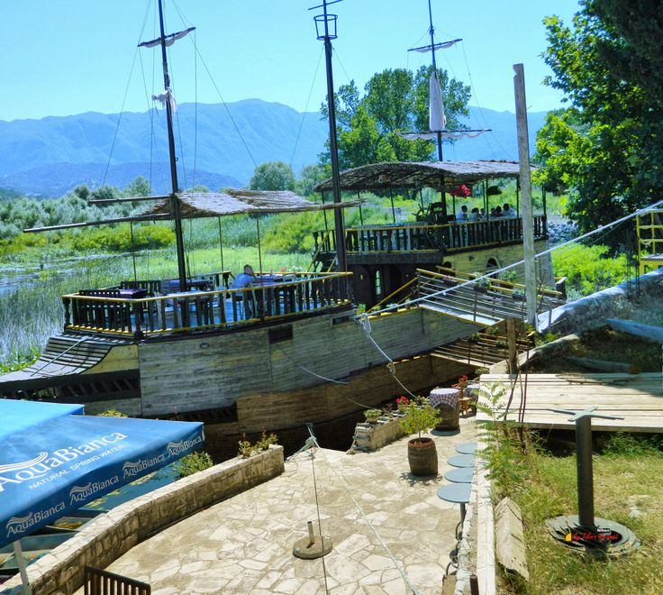 National Park, Lake Skadar, Silitria Boat Restaurant, Virpazar, Montenegro, Nikon Coolpix L310, 7.3mm, 1/200s, ISO80, f/9.8,-0.7ev,panorama mode: segment 2, HDR-Art photography, 201607091401