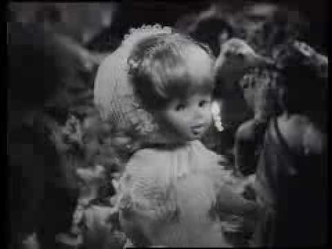▶ Anuncio de las muñecas de Famosa
