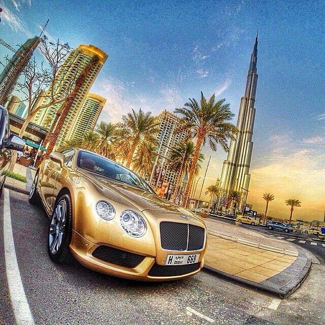 Gold Bentley Continental, Dubai