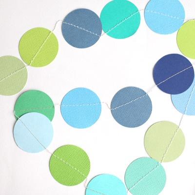 : Paper Garlands, Lek Med, Couleur Des, Crafts Idea, Colour Inspiration, Des Sentiments, Med Papper, Och Symaskinen, Att Testa