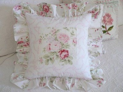our shabby cottage: pillows