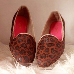 Sepatu Lukis Leopard Flats Coklat IDR 255.000 SIZE 36-41 SKU SB044  Hubungi Customer Service kami untuk pemesanan : Phone / Whatsapp : 089624618831 Line: Slightshoes Email : order@slightshop.com