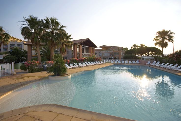 Sun & Swimming-pool @ Mercure Thalassa Port Fréjus #CoteDAzur #France