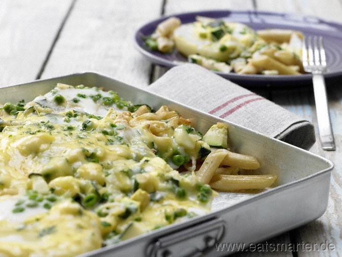 Kohlrabi-Nudel-Gratin mit Erbsen und Zucchini - smarter - Kalorien: 522 Kcal | Zeit: 30 min.