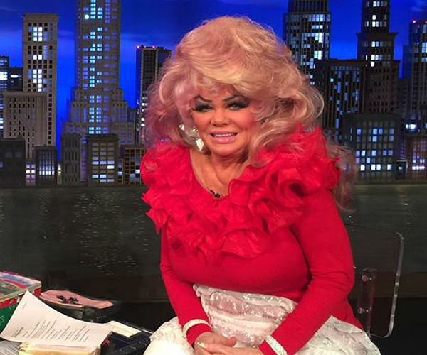 Jan Crouch went in on that wig game.