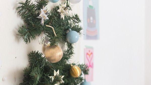 DIY: πανεύκολο Χριστουγεννιάτικο Δέντρο που δε μοιάζει στα άλλα!