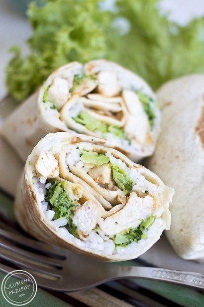 Poszukujecie przepisu na SZYBKI, pyszny i efektowny obiad? Oto on - Burrito z ryżem, kurczakiem i brokułami :)