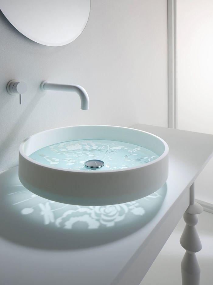 Badezimmer Neu Gestalten Designer Waschbecken Weisser Waschtisch Weisser Hahn Badezimmermobel Ba In 2020 Moderne Waschbecken Waschbecken Design Badezimmer Neu Gestalten