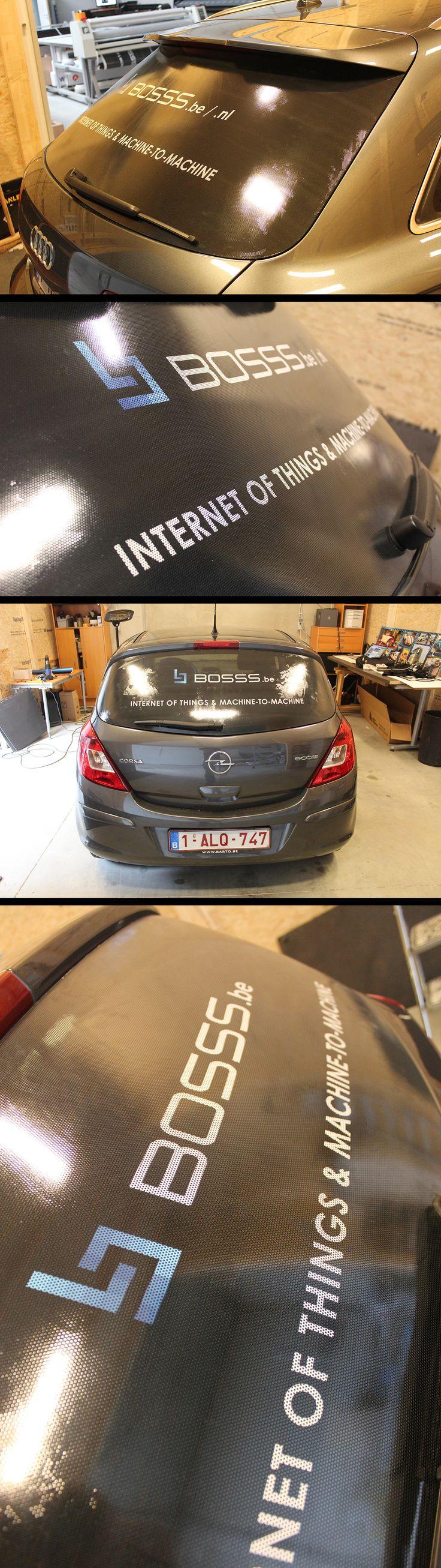 Full color prints op een (40% geperforeerde) One way vision printfolie met gloss beschermlaminaat op de achterruit van Audi A6 en Opel Corsa voor Bosss.