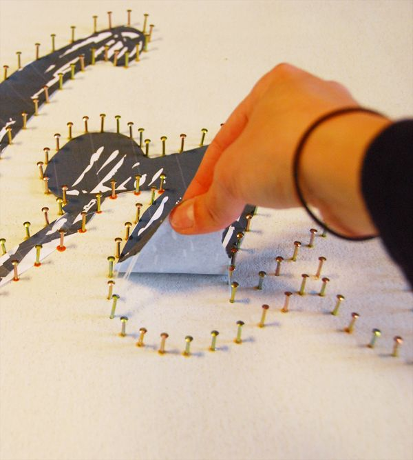 DIY String Art Tutorial. I did one in Elementary school. :D